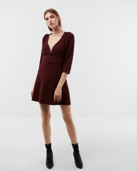 https://www.express.com/clothing/women/v-wire-puff-sleeve-fit-and-flare-dress/pro/07850728/color/PITCH%20BLACK