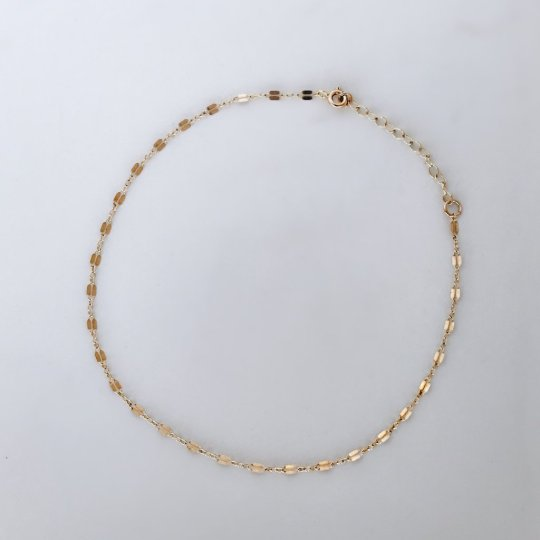 https://www.madebymary.com/collections/chains/products/lace-choker-necklace