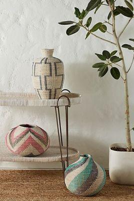 https://www.anthropologie.com/shop/rosario-vase?category=sale-home&color=012